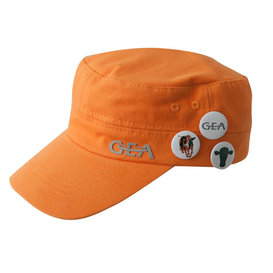 Casquette orange avec 3 badges, taille ajustable