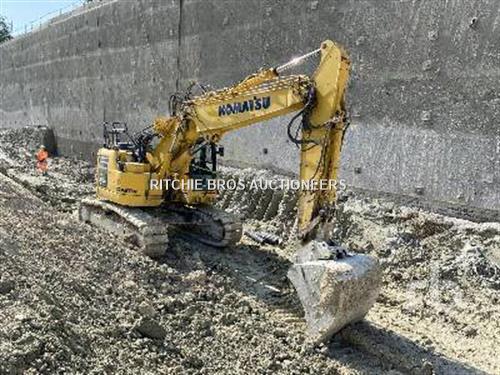 Komatsu PC228USLC-10 excavator