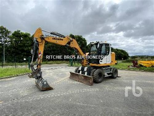Liebherr A910 COMPACT Mobile excavator