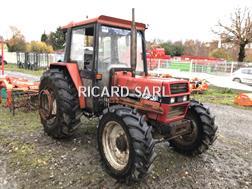 Divers Tracteur agricole Ih833 Case