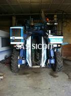 Braud Machine à vendanger SB54 . Braud