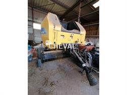 New Holland BR 7060