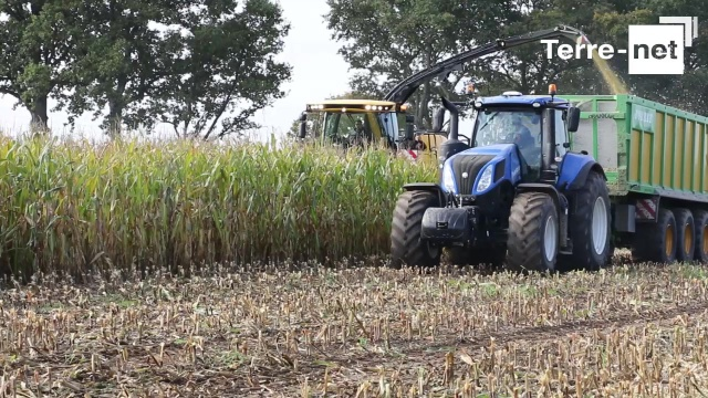 Ensileuse New Holland - La Forage Cruiser, un navire de guerre grand confort