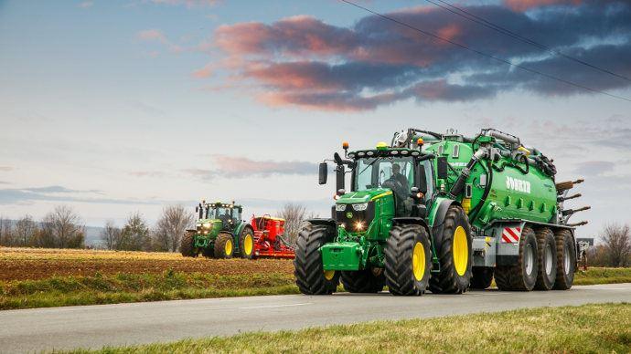 Nouveaux tracteurs - John Deere 6230R et 6250R, deux modèleslégers de forte puissance
