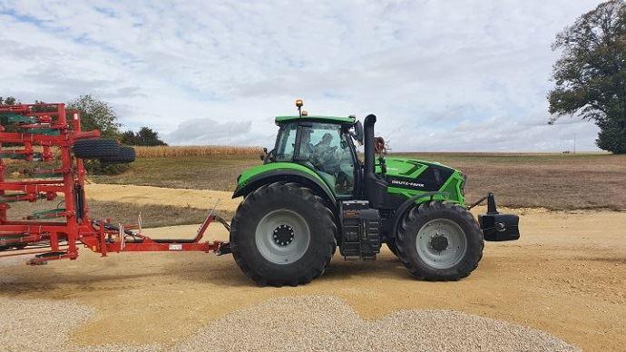 Tracteur Deutz-Fahr - Vivez la première présentation française du 8280 TTV en direct du Loir-et-Cher