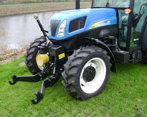 Zuidberg vient de sortir un relevage avant et une prise de force spécialement adaptés aux tracteurs New Holland de la série T4000F. Photo parue sur Terre-net Média.
