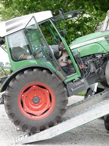 Tracteurs spécialisés - Le nouveau Fendt 200 Vario en tournée européenne
