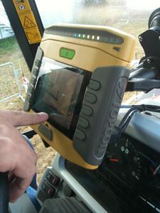 Solutions de guidage - Massey Ferguson équipe ses tracteurs des dernières solutions Topcon