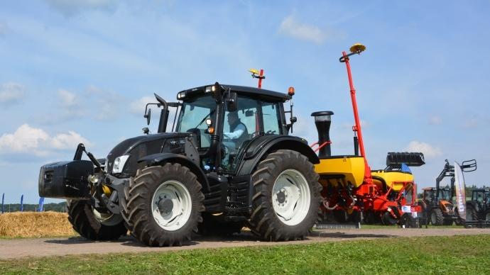 Tracteurs Valtra - Le N103.4 passe en 4 cylindres et le N123 intègre la variation continue