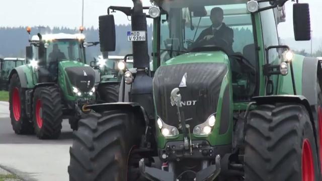 Tracteurs 800 et 900 Vario - La nouvelle génération des séries fortes puissances de Fendt