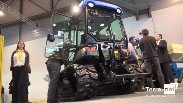 Tracteurs spécialisés à chenilles - Les New Holland TK4000 passent de l'acier au caoutchouc…