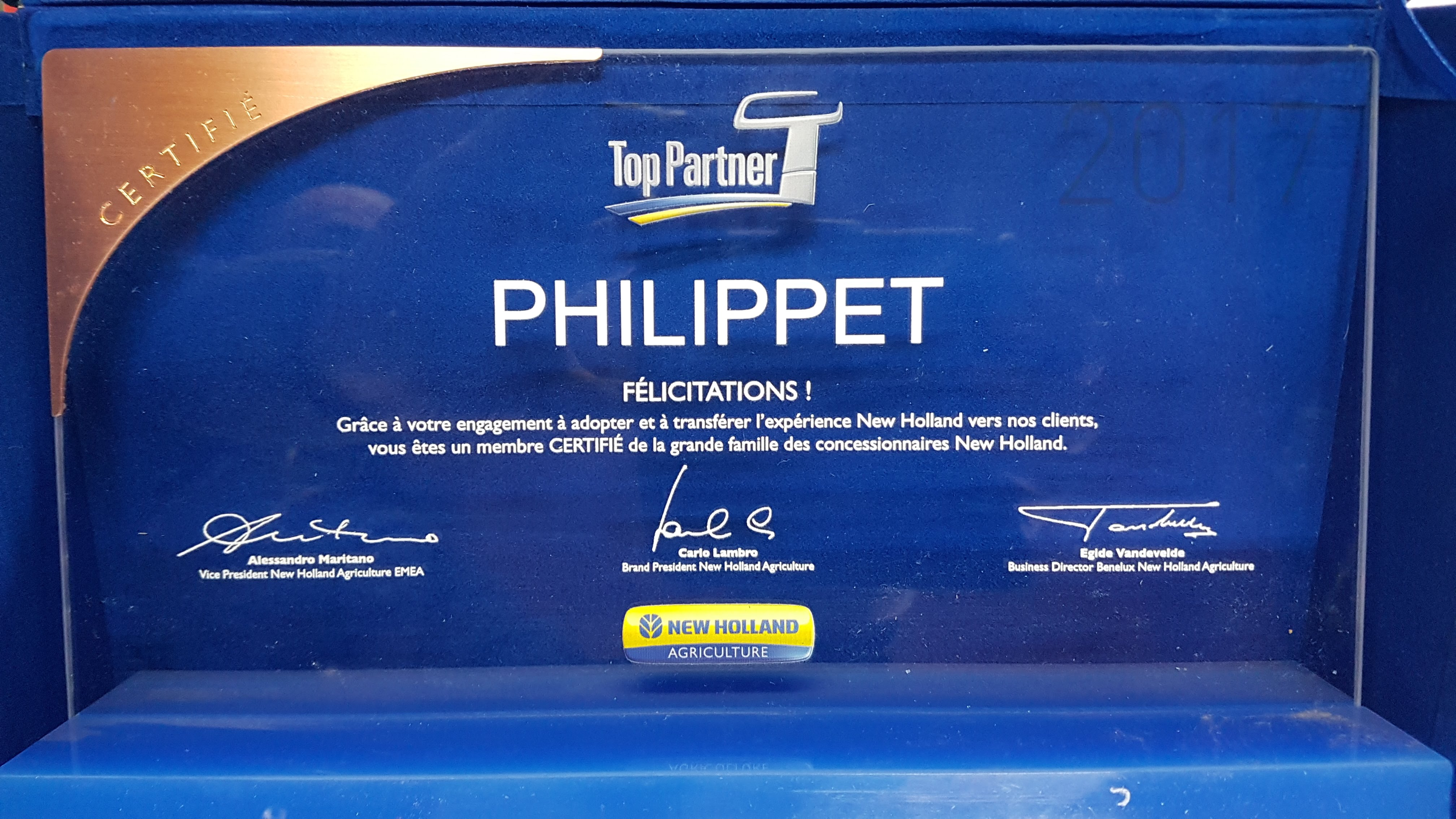 "Sprl Philippet ""Top Partner"" de New Holland"